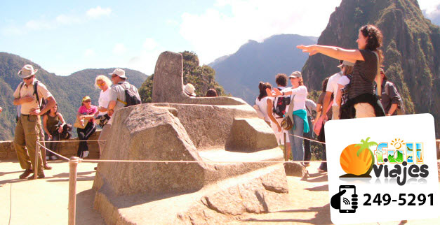 turistas-visitan-ruinas-machu-picchu